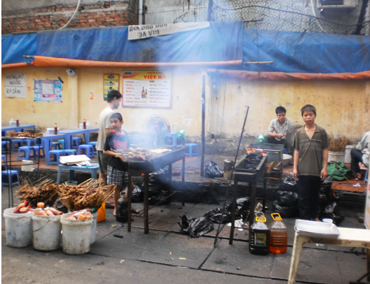 Hanoi Street Food at its best! -BBQ Chicken